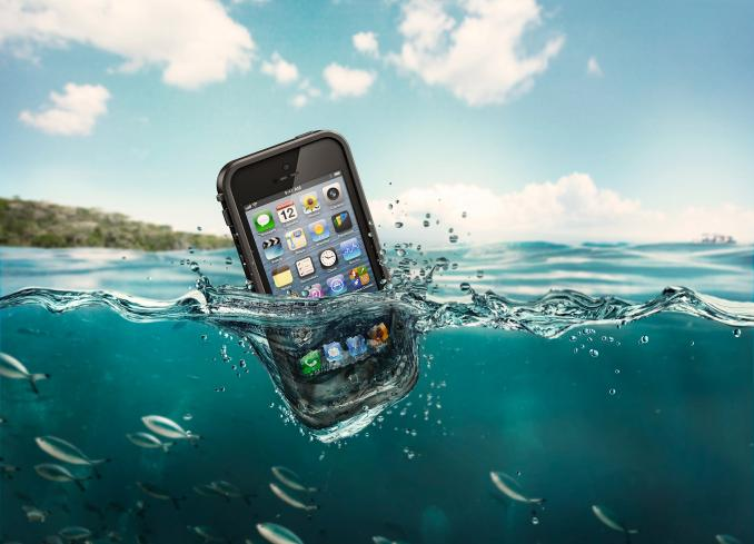 lifeproof-iphone-5-agua